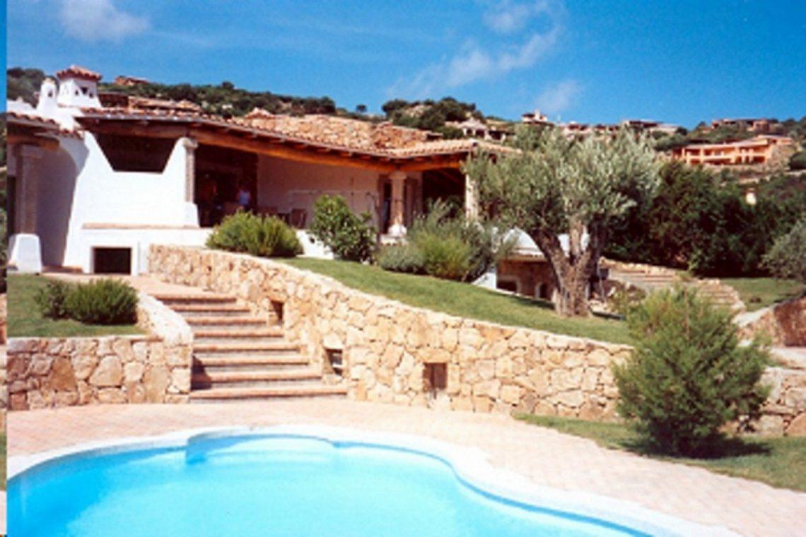 Sardinia Porto Cervo villa near Pevero Golf Club 06