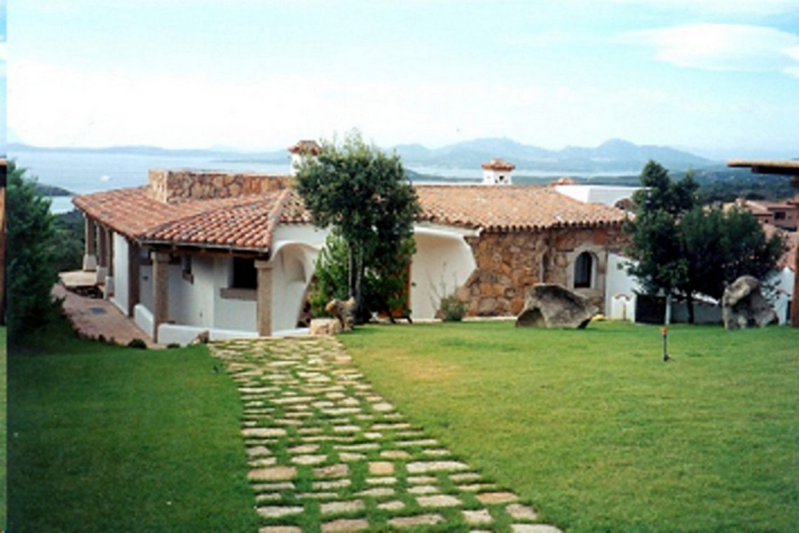 Sardinia Porto Cervo villa near Pevero Golf Club 08