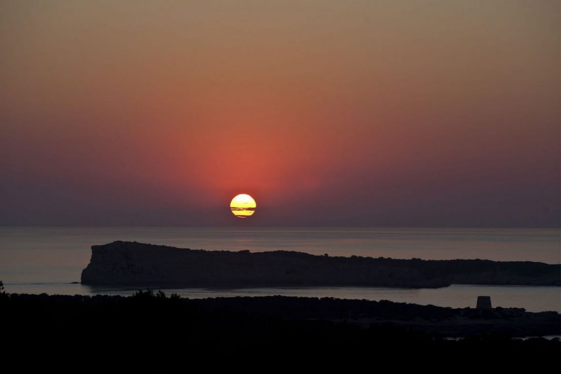 Ibiza villa rent with sea and sunset views 02