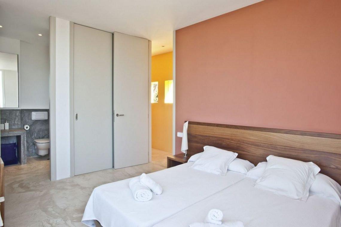 Ibiza villa rent with sea and sunset views 25