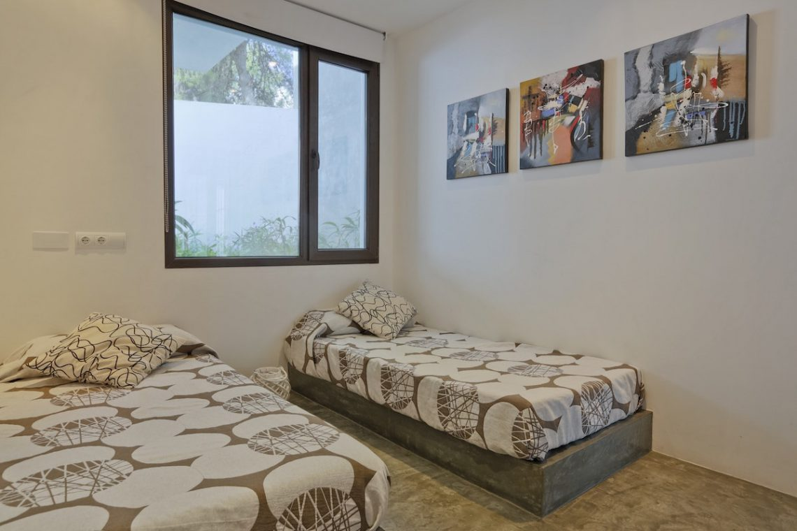 Minimalist villa Ibiza for rent with tropical pool 24