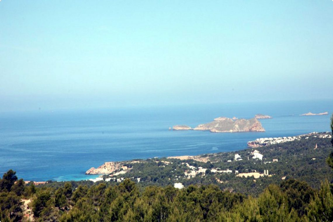 Sea view villa Ibiza for rent with sea and sunset views 01