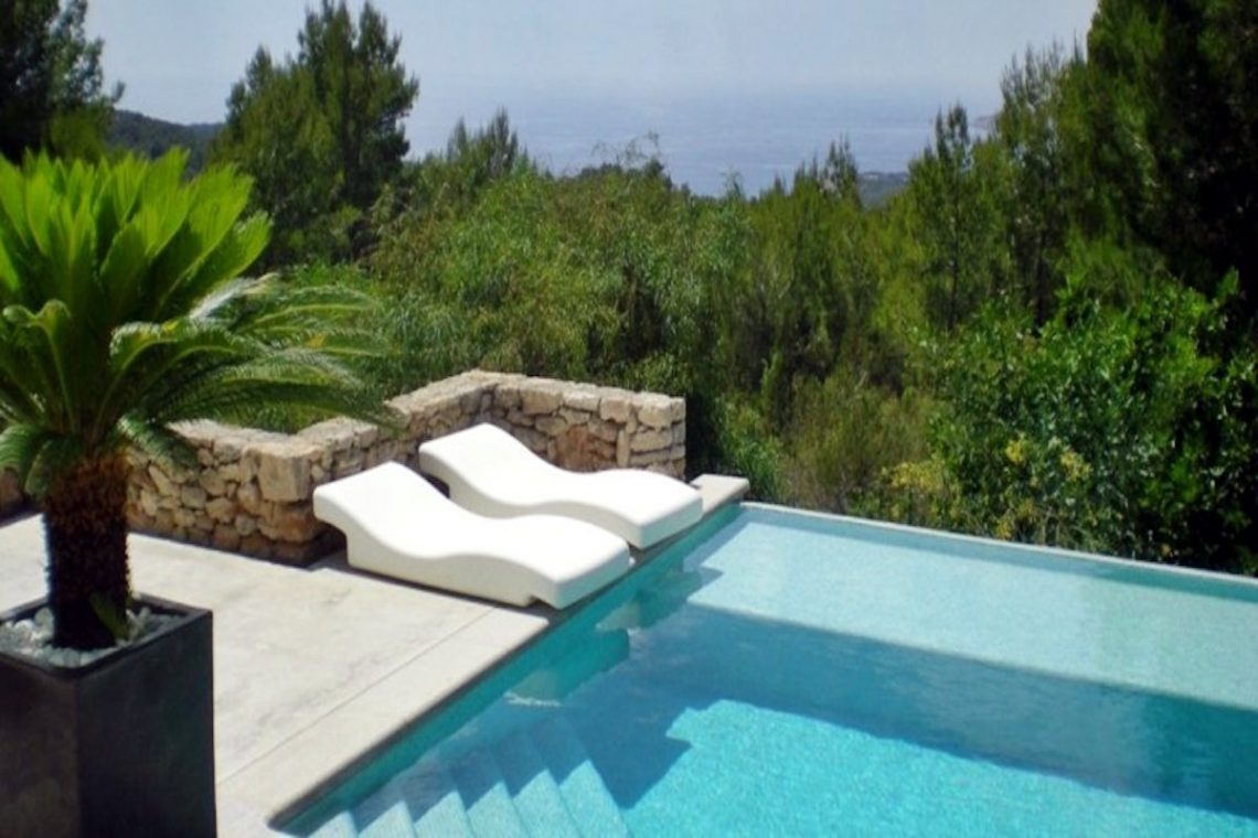 Sea view villa Ibiza for rent with sea and sunset views 04