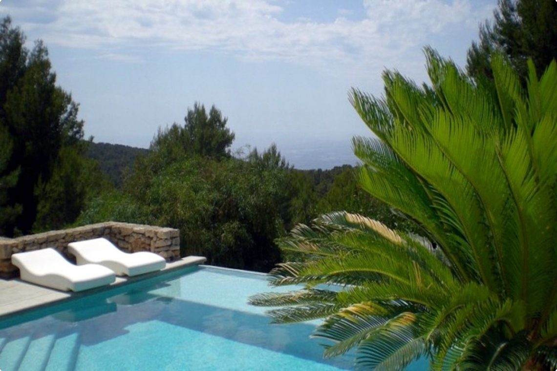 Sea view villa Ibiza for rent with sea and sunset views 05
