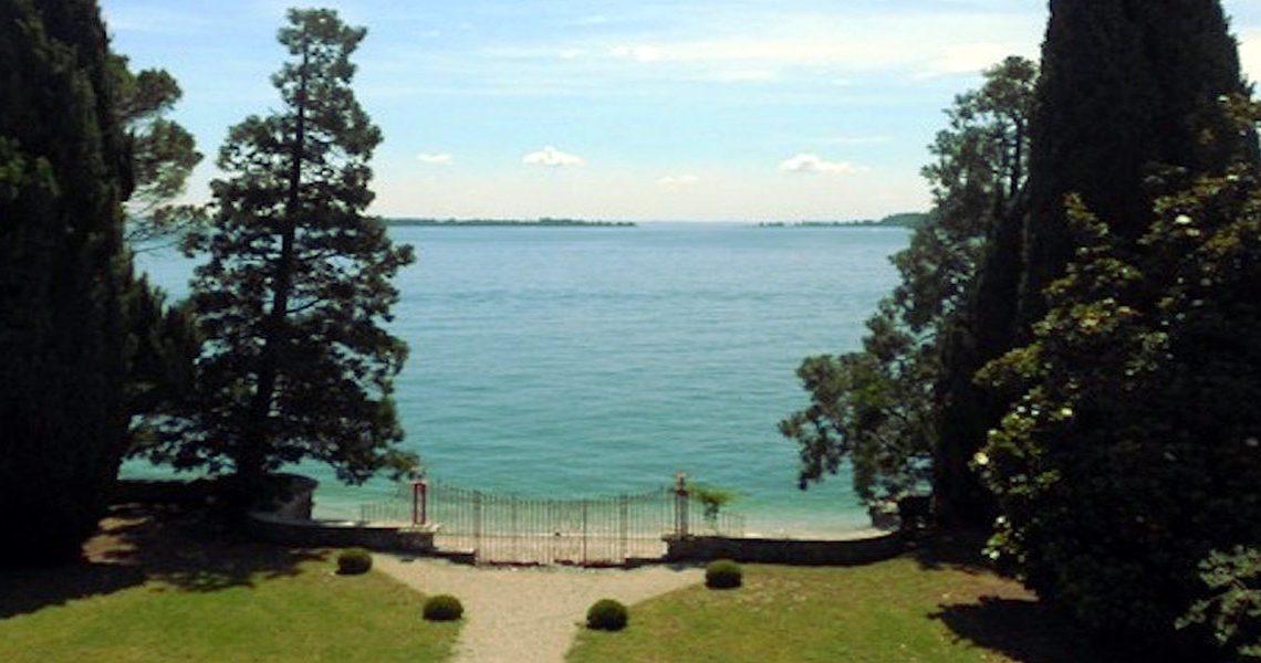 Waterfront historic villa Lake Garda in Decò style slider