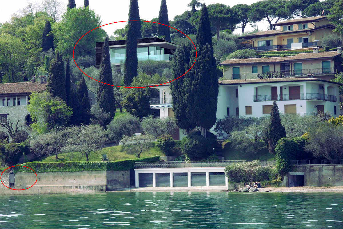 Villa Padenghe for sale just 50 meters from lake