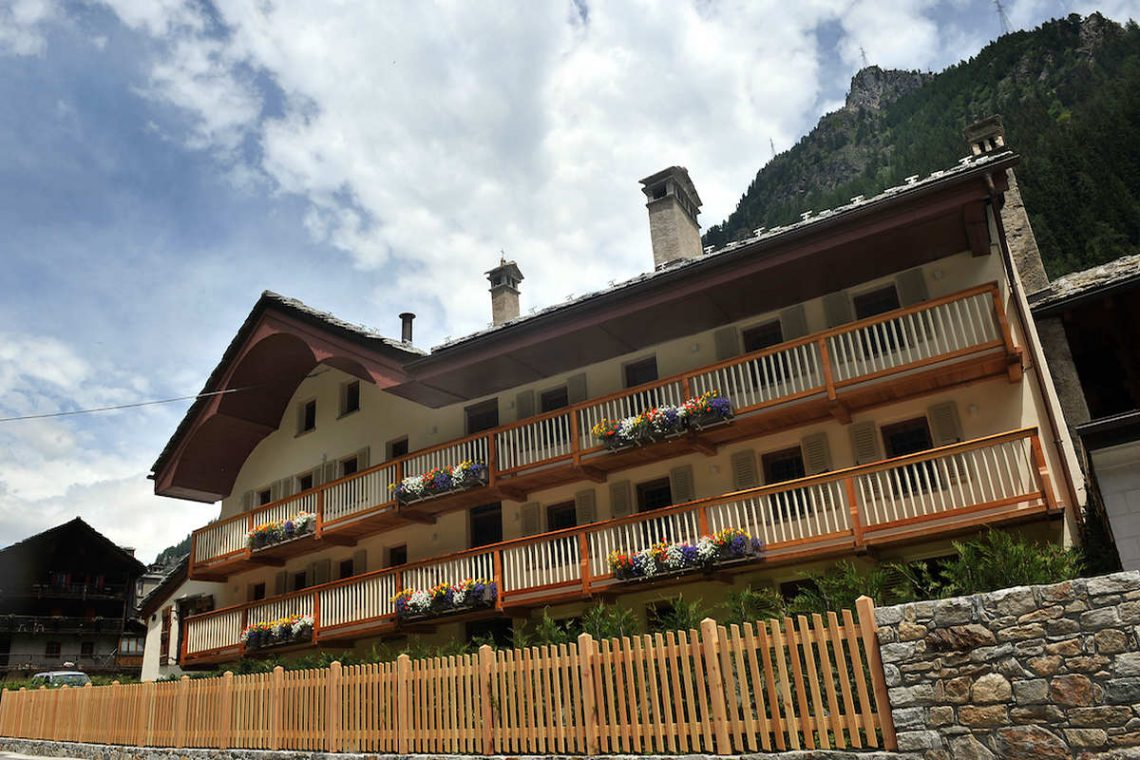 Apartments Gressoney in Walser house finely restored 02