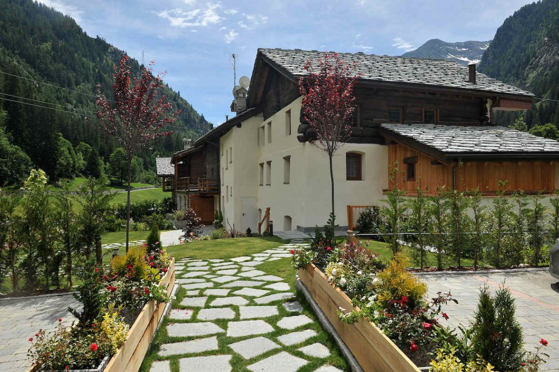 Apartments Gressoney in Walser house finely restored 04