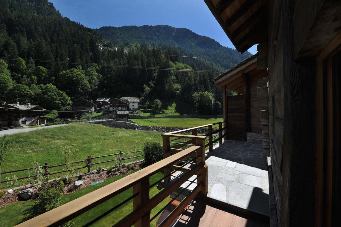 Apartments Gressoney in Walser house finely restored 07