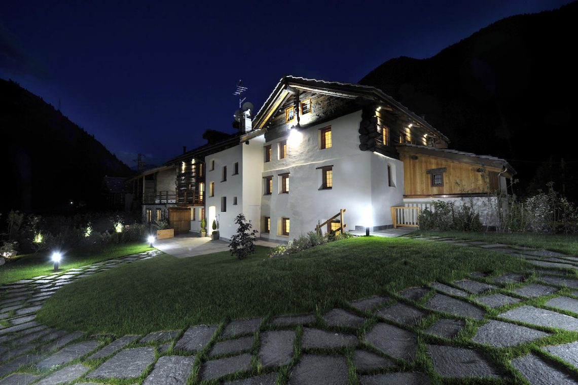 Apartments Gressoney in Walser house finely restored 10