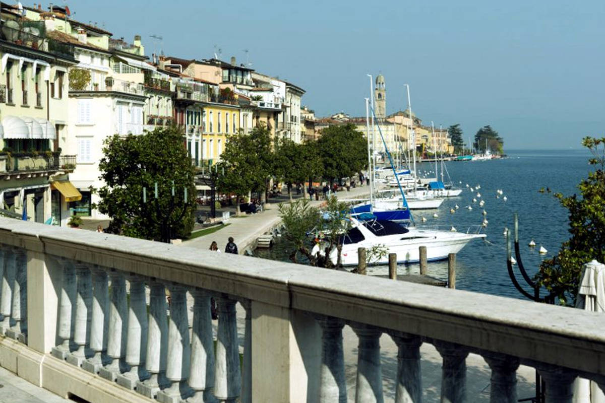 Apartment Lake Garda in historic building
