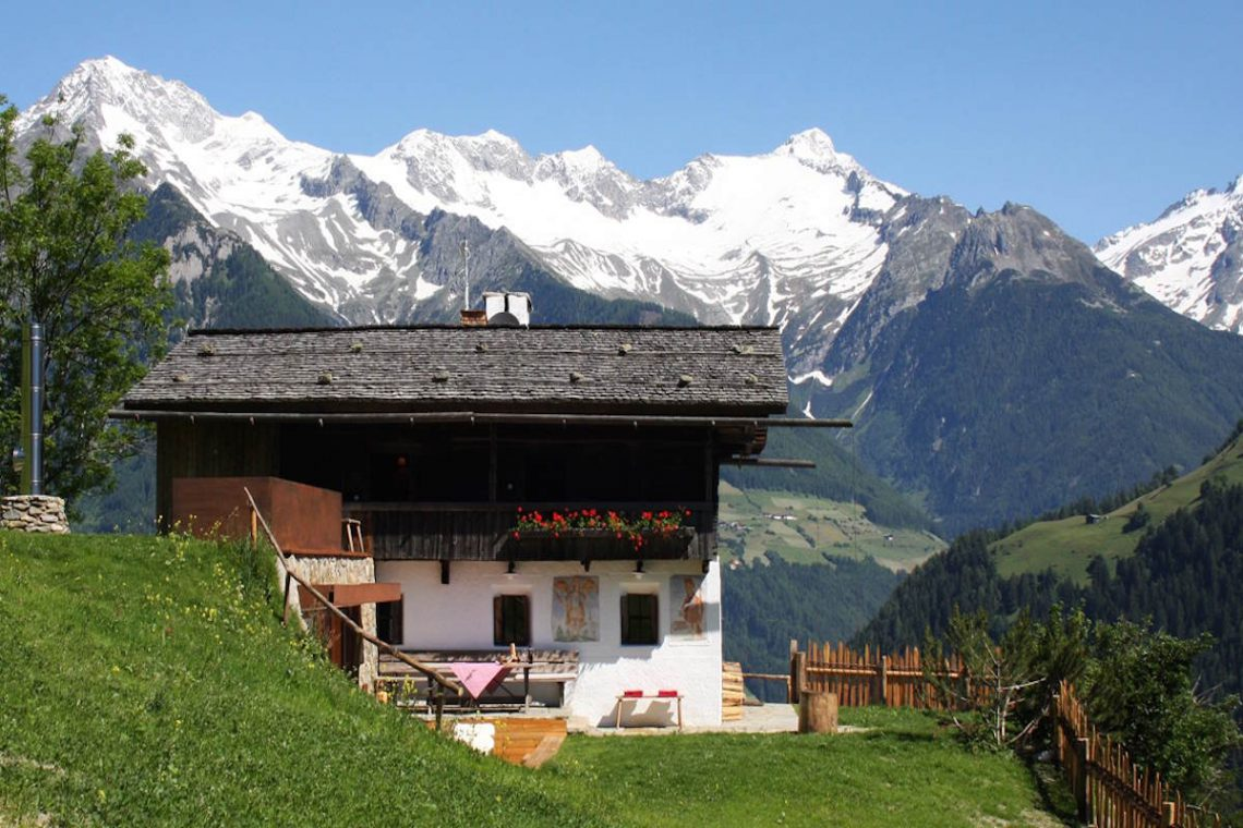 Luxury Chalet Dolomiti for rent in Campo Tures 01