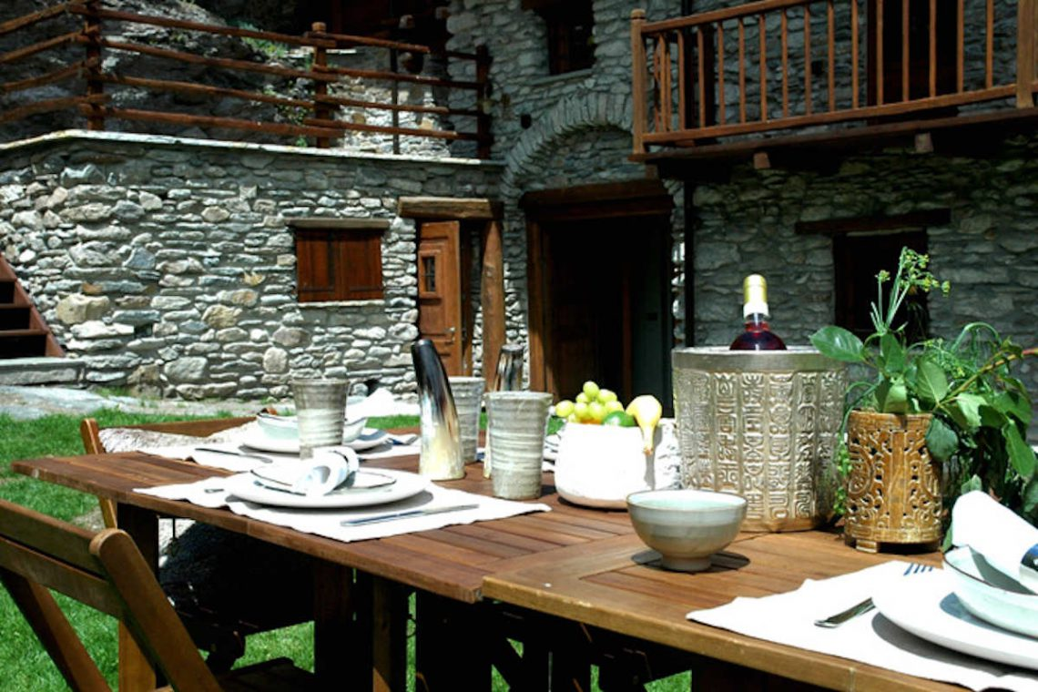 Luxury Chalet Sestriere for rent just 3 minutes from Ski slopes 24