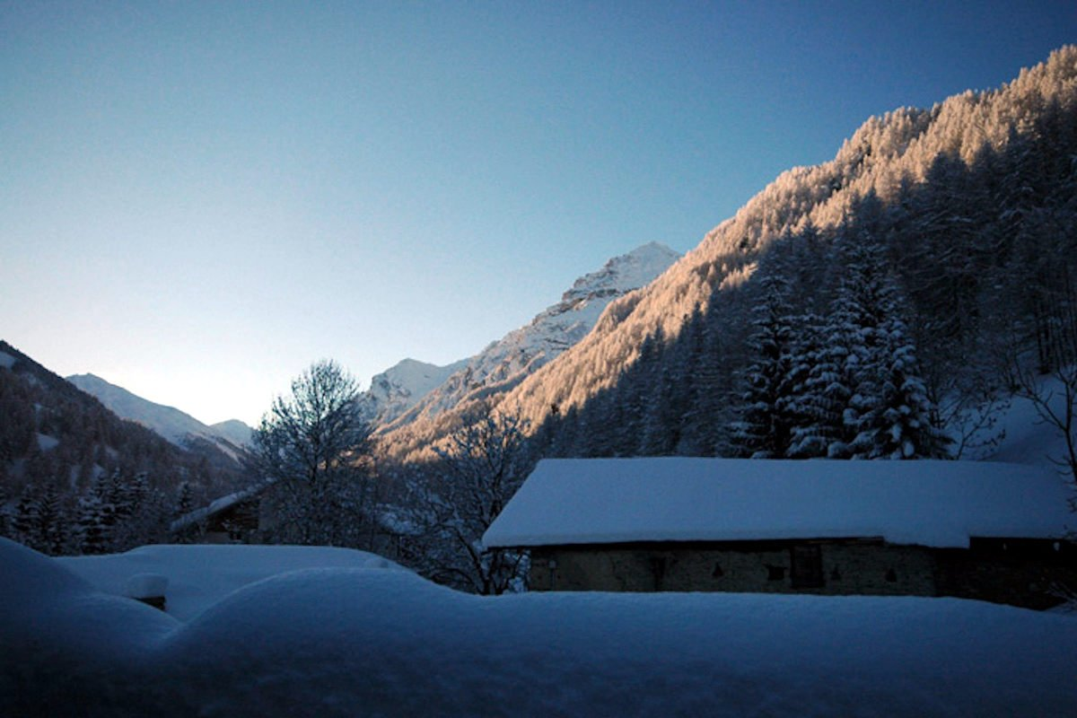 Luxury Chalet Sestriere for rent just 3 minutes from Ski slopes