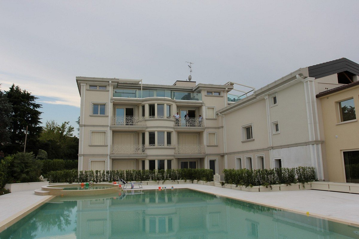 Waterfront apartments sale Lake Garda
