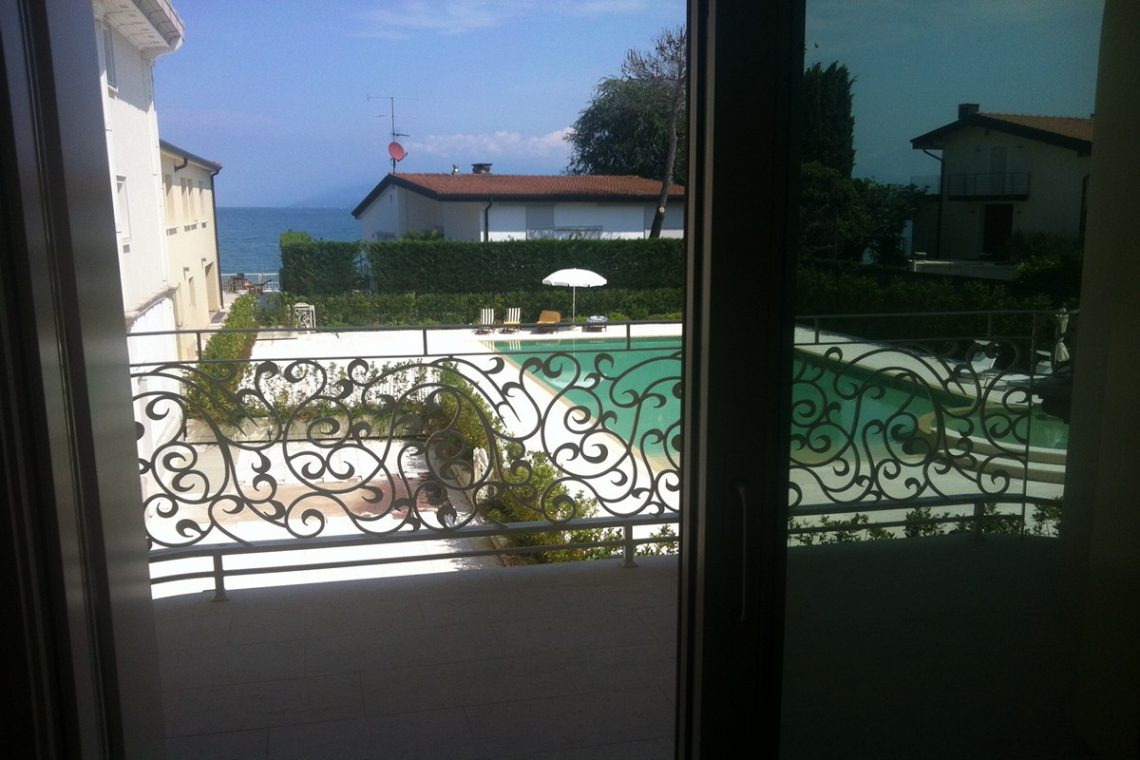 Waterfront apartments sale Lake Garda Desenzano 11