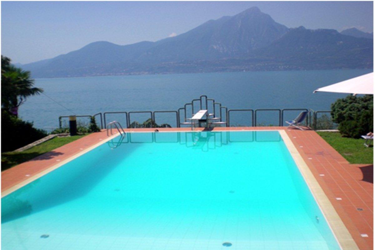 Villa Torri del Benaco lake view