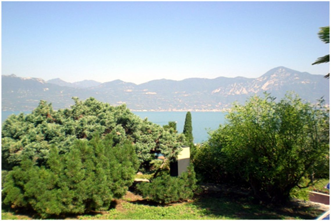 Villa Torri del Benaco lake view 03