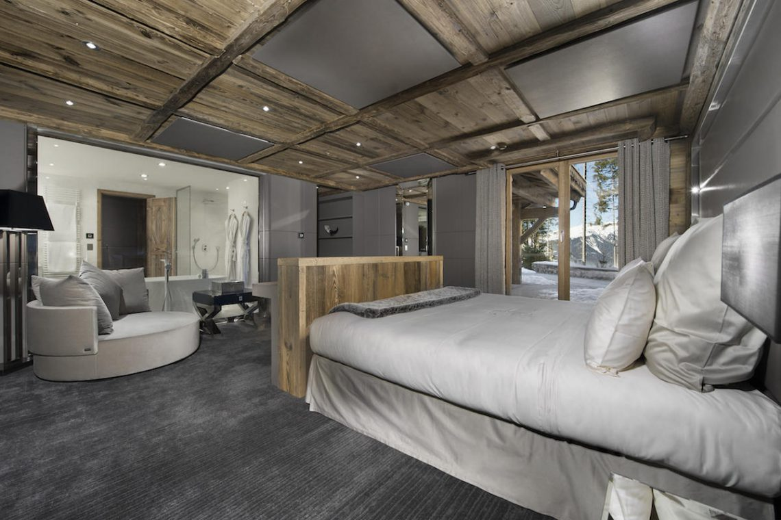 Luxury Chalet Courchevel for rent just 30m from ski slope 06