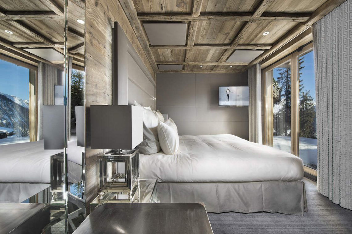 Luxury Chalet Courchevel for rent just 30m from ski slope 09