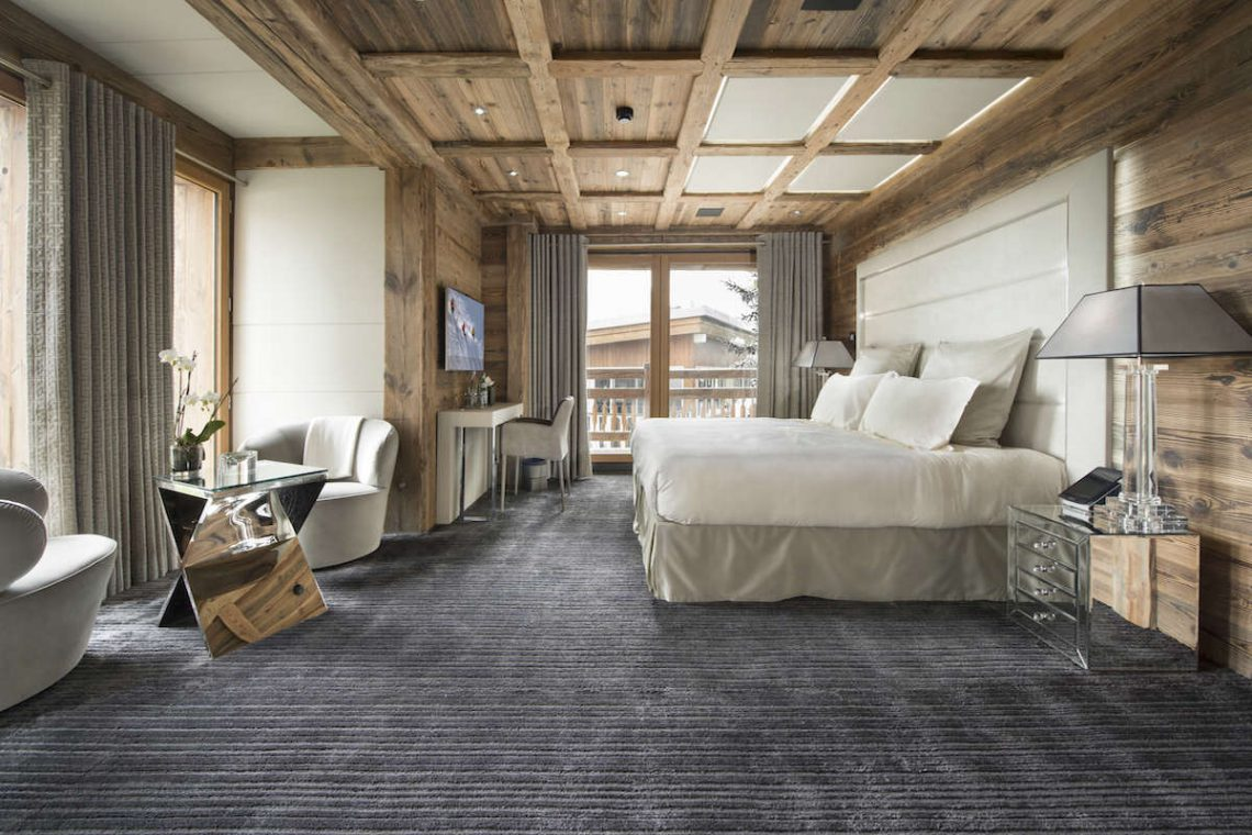 Luxury Chalet Courchevel for rent near ski slopes 08