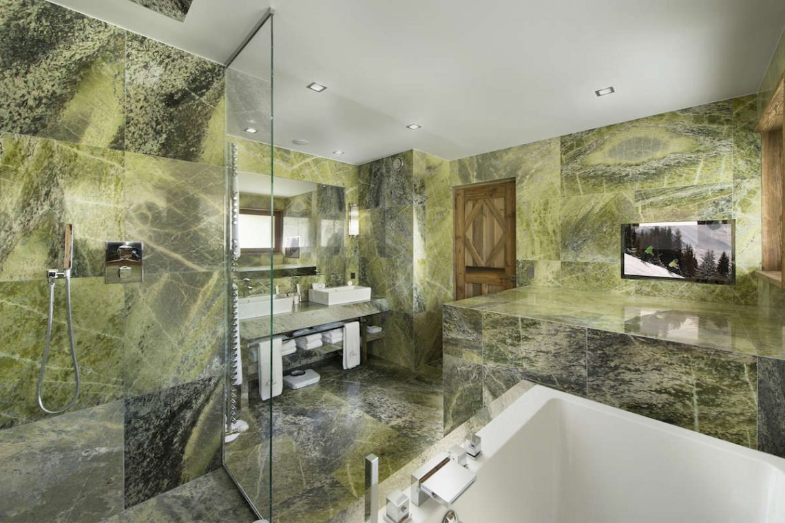 Luxury Chalet Courchevel for rent near ski slopes 10
