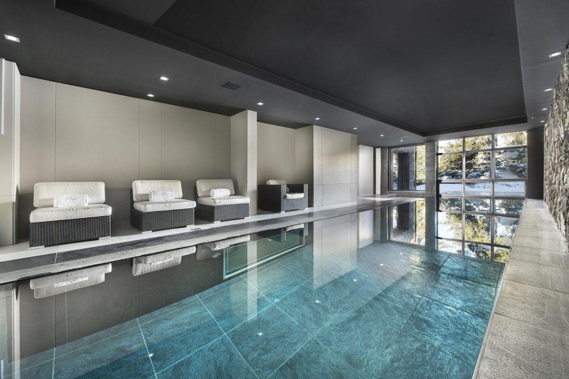 Luxury Chalet Courchevel for rent near ski slopes 15