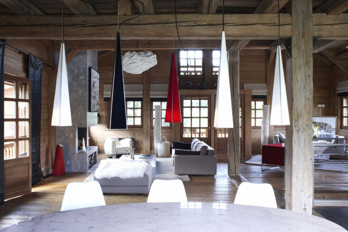 Luxury Chalet Megeve surrounded by French Alps 01