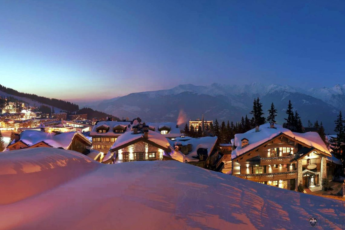 Chalet Courchevel 1850 directly on the ski slope 23