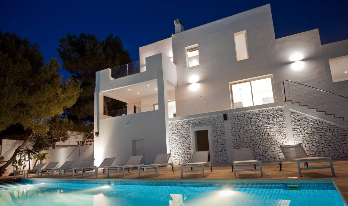 Luxury Villa Ibiza sea view for rent with pinewood 04