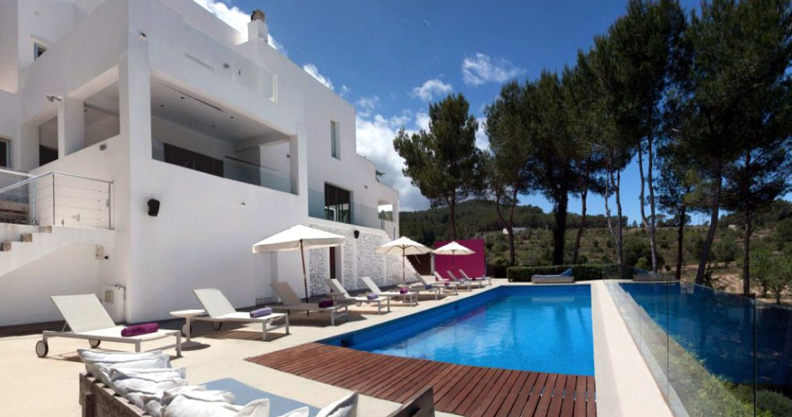 Luxury Villa Ibiza sea view for rent with pinewood slider