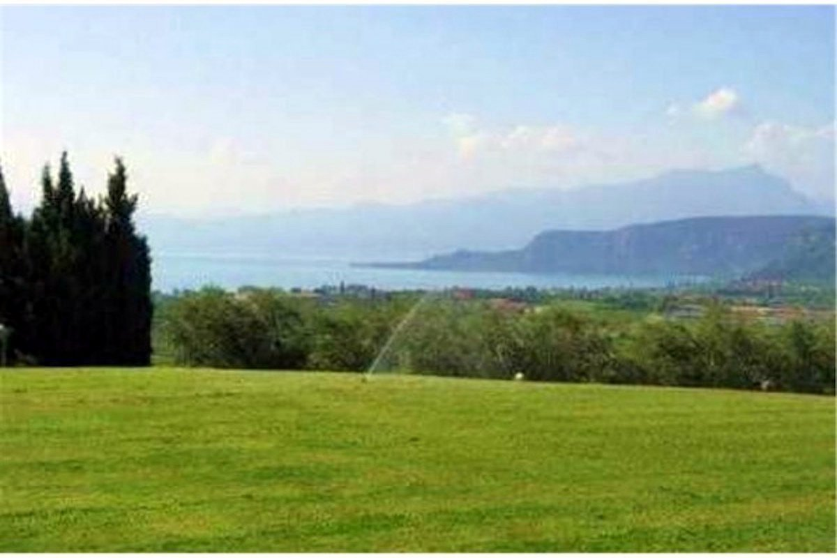 Villa Bardolino Lake Garda 55,000 sqm park & vineyards