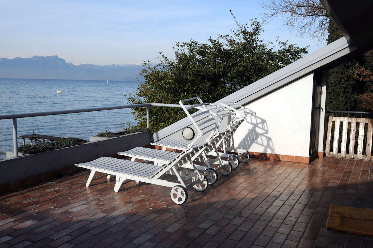 Lake Garda waterfront villa with private dock