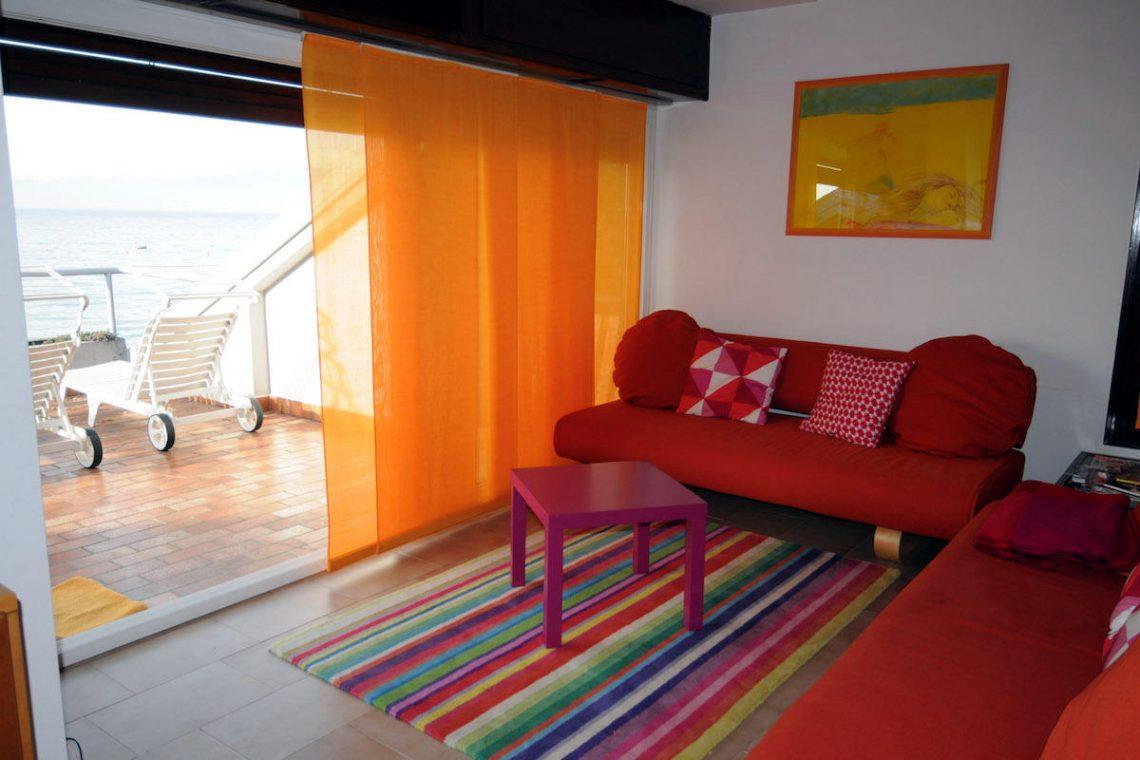 Lake Garda waterfront villa with private dock 03