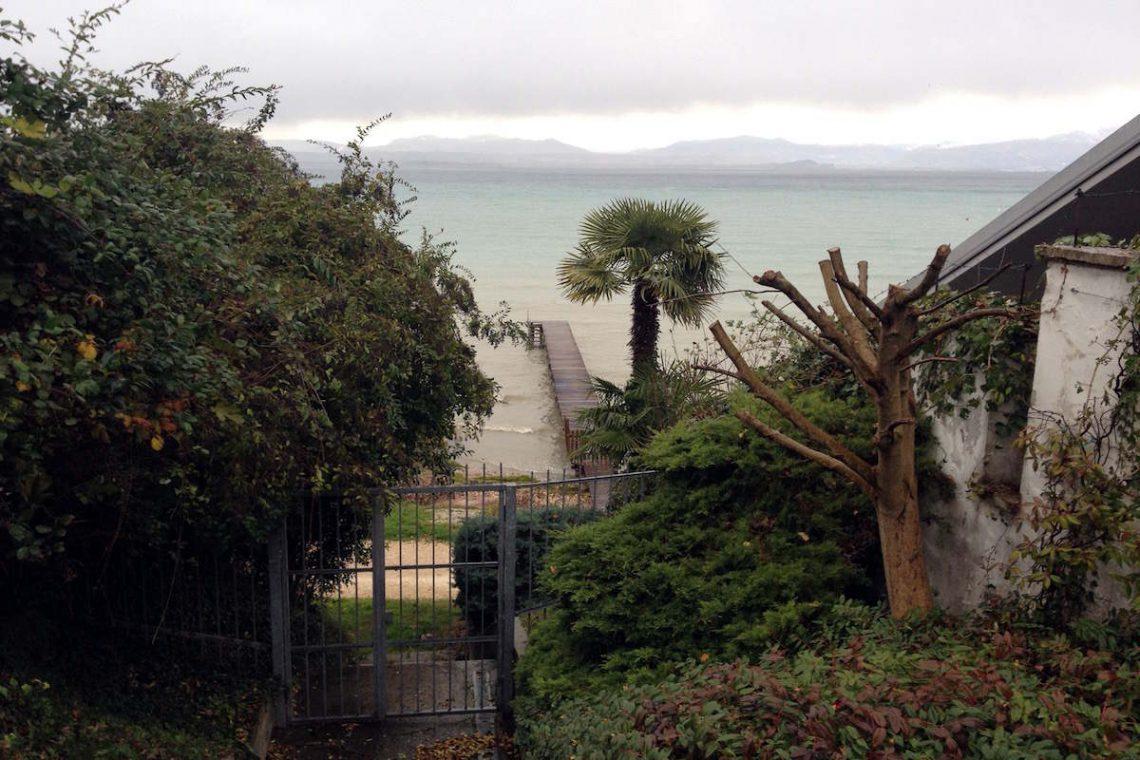 Lake Garda waterfront villa with private dock 12