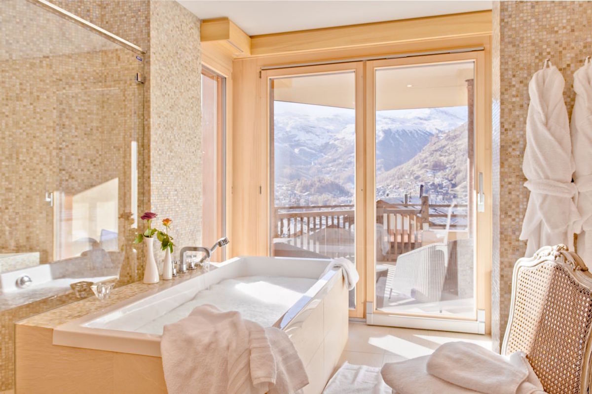 Luxury chalet Zermatt for rent with 5 star service