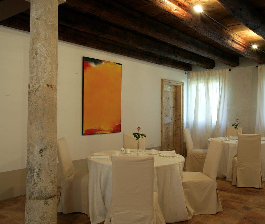 Relais in Custoza Lake Garda for sale near Golf club 18