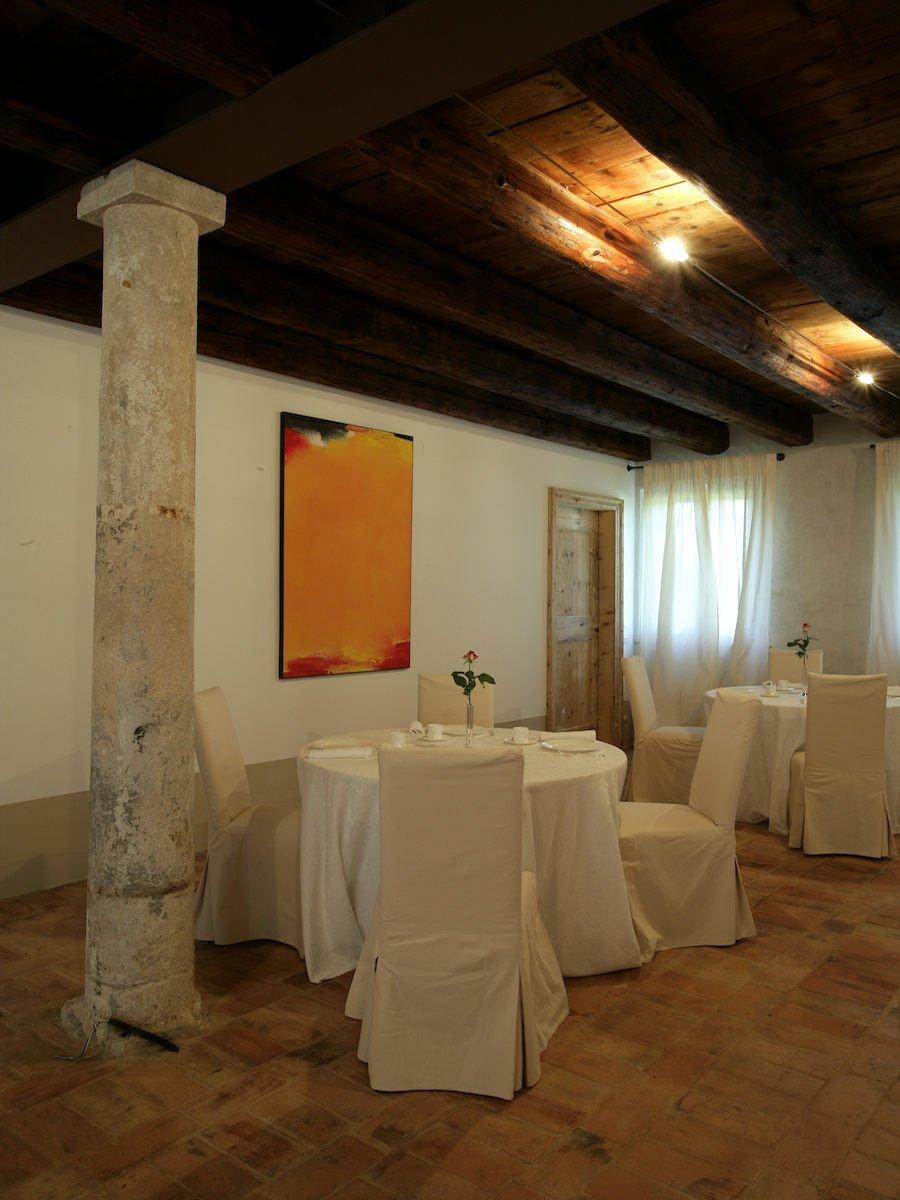 Relais in Custoza Lake Garda for sale near Golf club