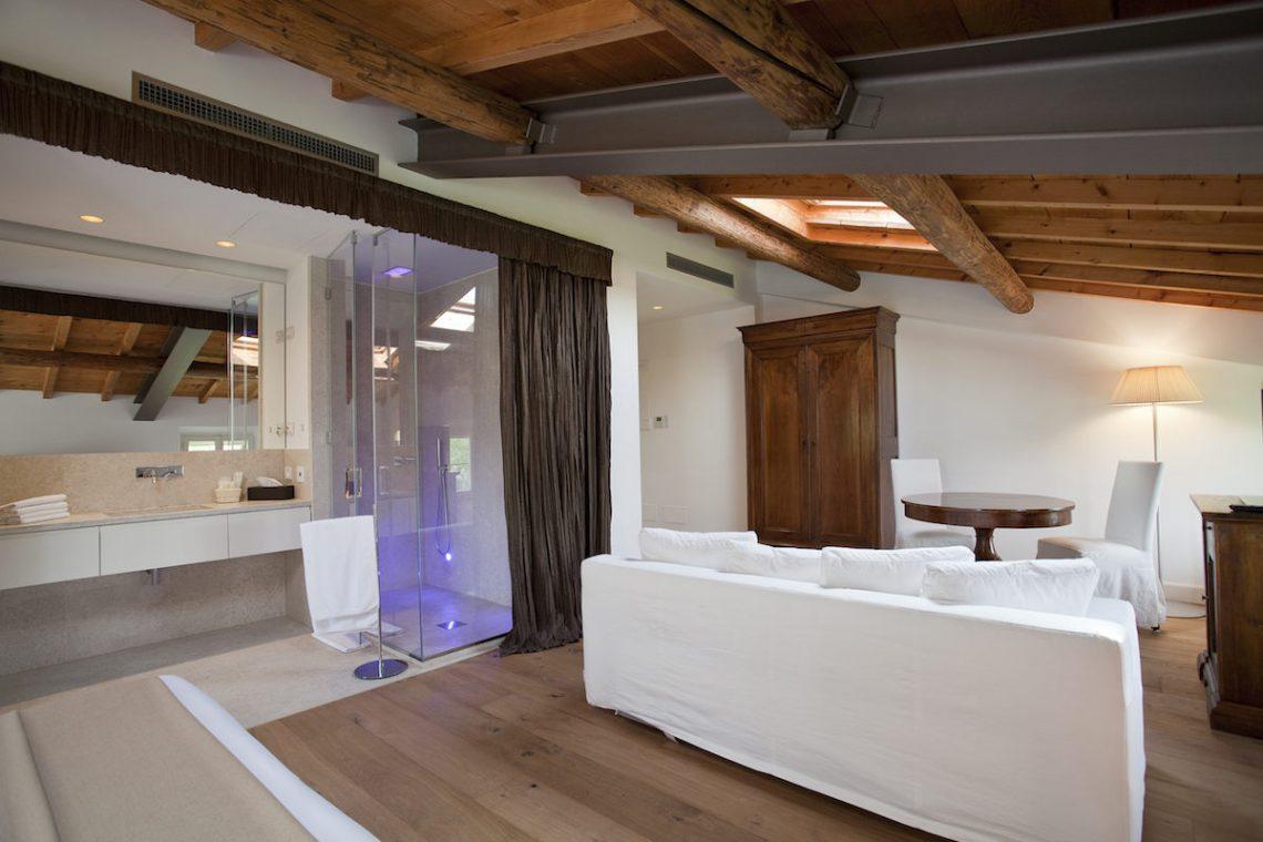 Relais Custoza Lake Garda for sale near Golf club 28
