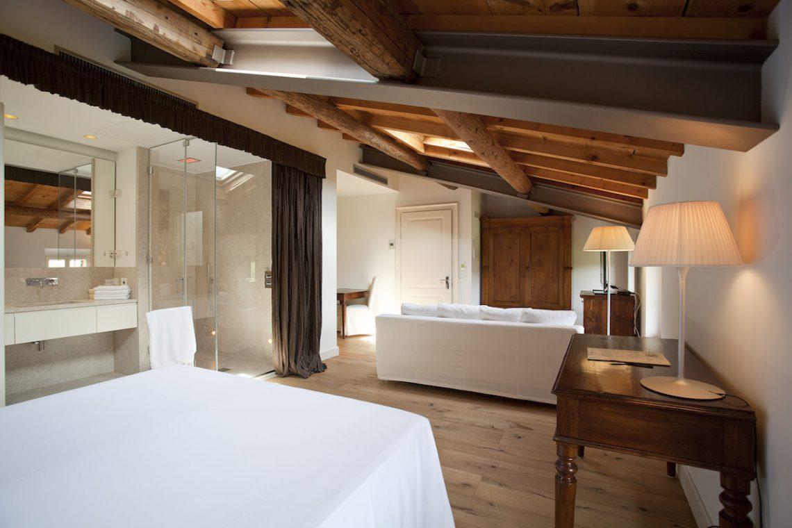 Relais Custoza Lake Garda for sale near Golf club 33