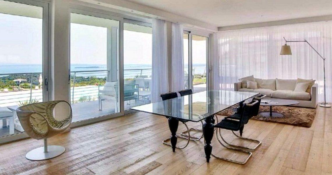 House Lake Garda in luxury condo with lake view slider