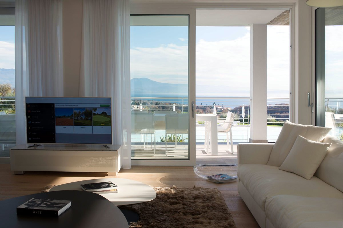 House Lake Garda in luxury condo with lake view