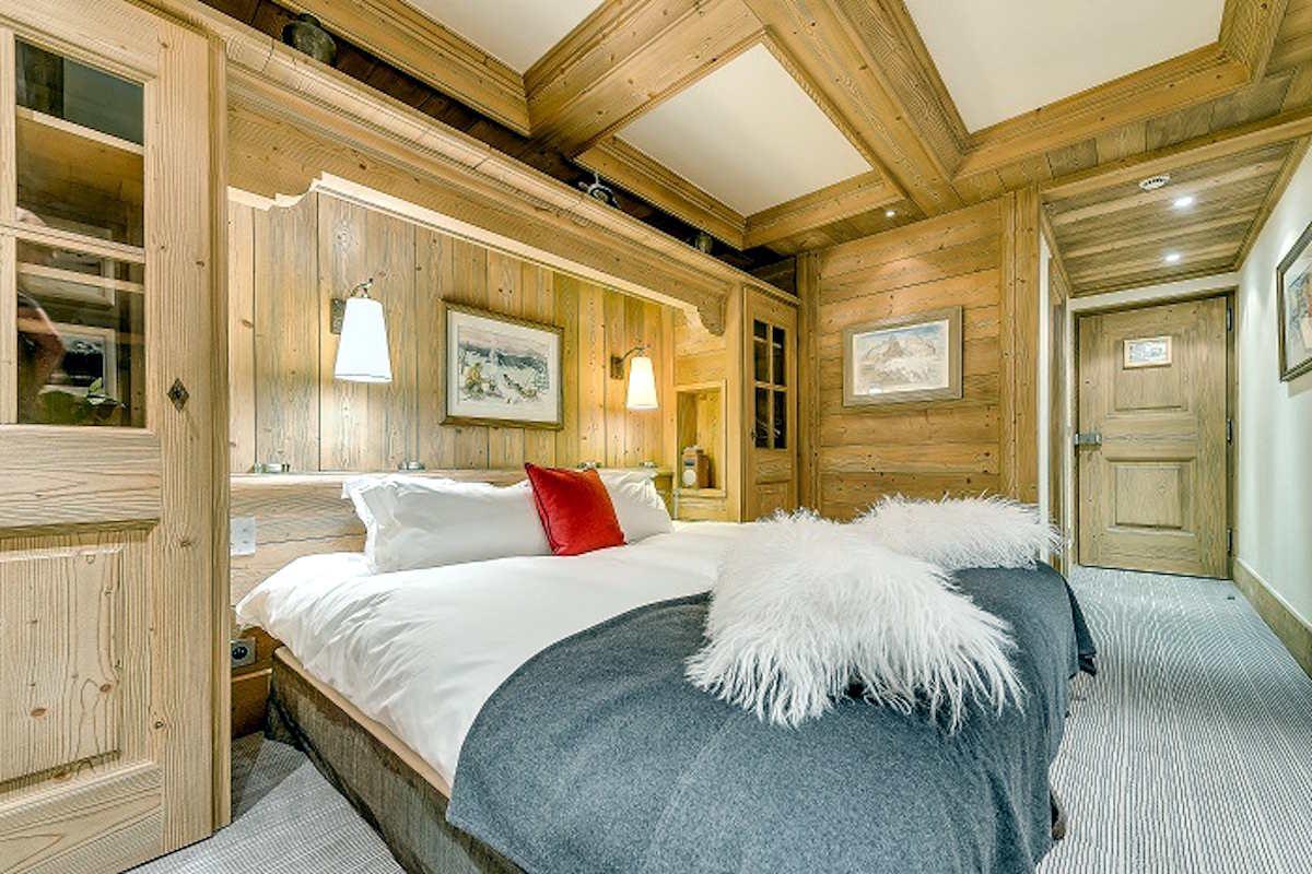 Chalet Val d'Isere for Rent directly on Ski Slopes