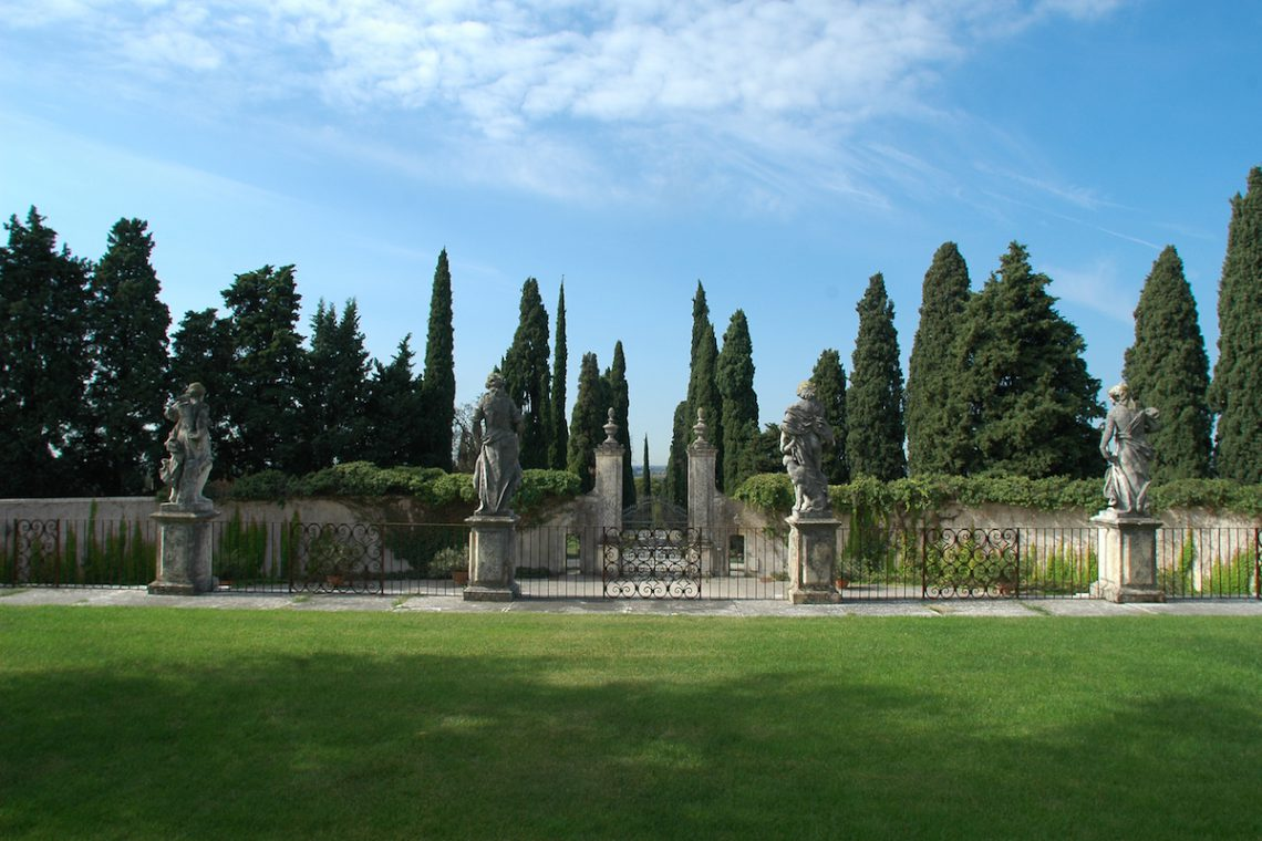 Historic Villa Verona with 40,000 sqm park 12