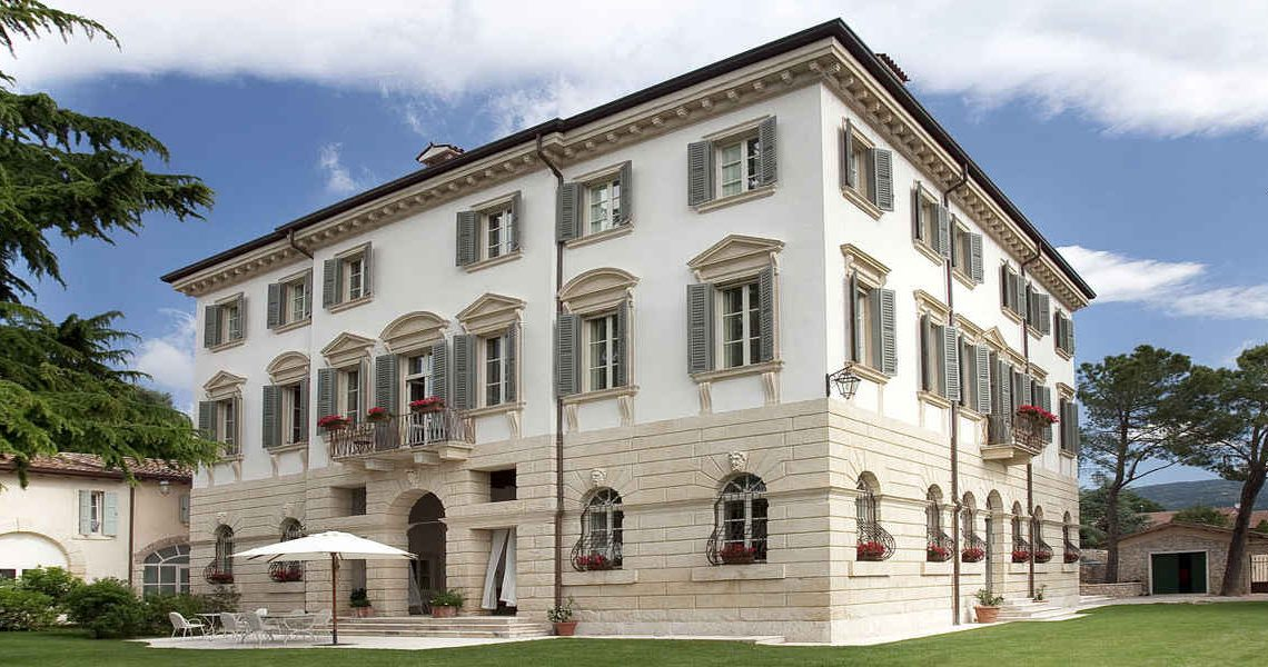 Historic Villa in Valpolicella for sale slider