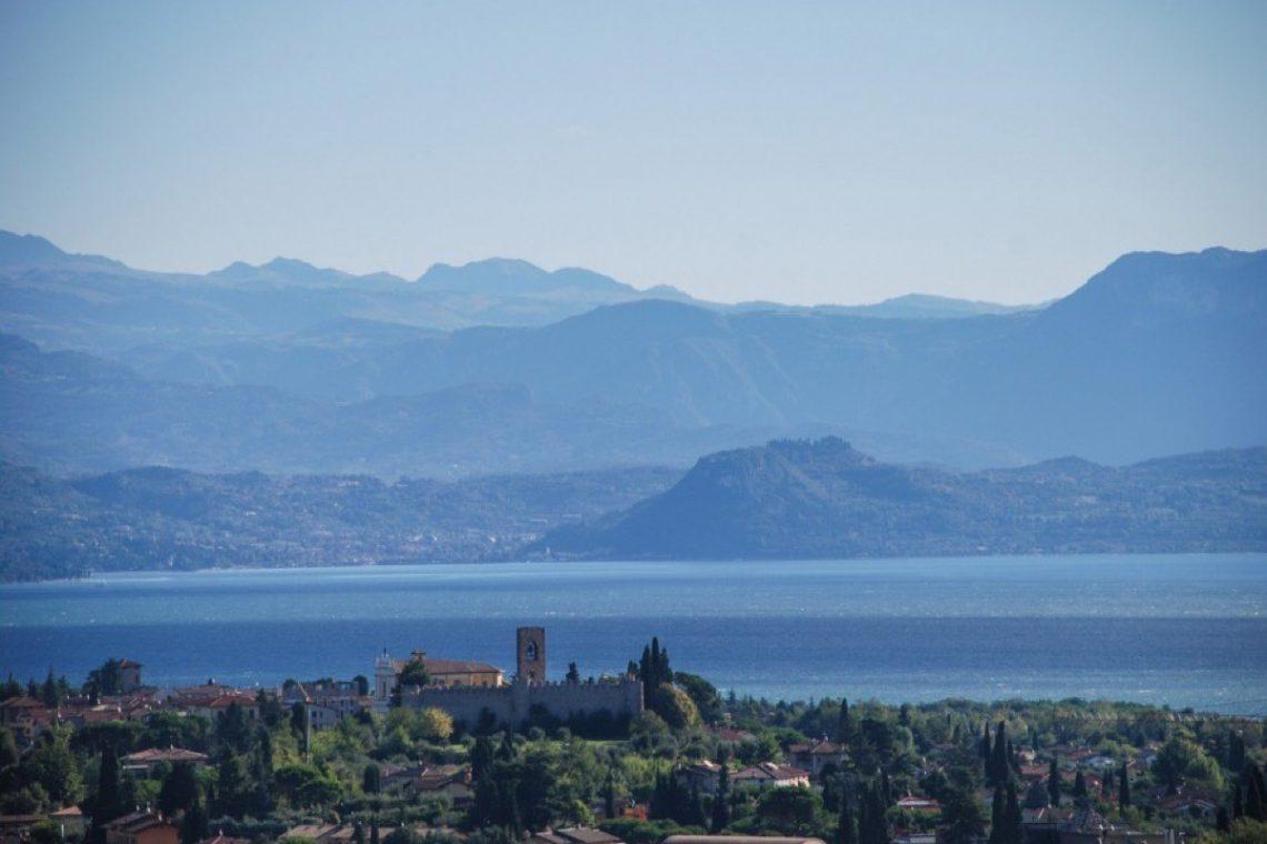 House Lake Garda in luxury condo with lake view 29
