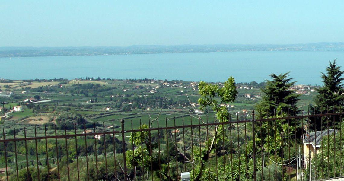 Villa Lake Garda for sale with stunning lake view slider