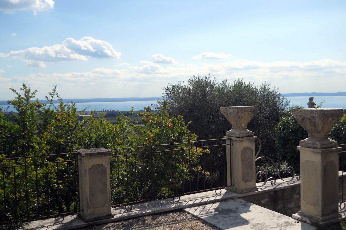 Historic villa Lake Garda sale with stunning lake view 07