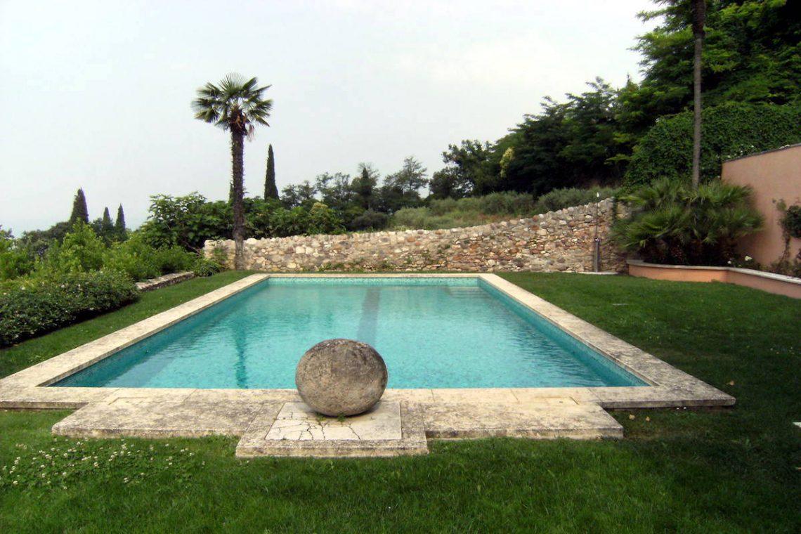 Historic villa Lake Garda sale with stunning lake view 11
