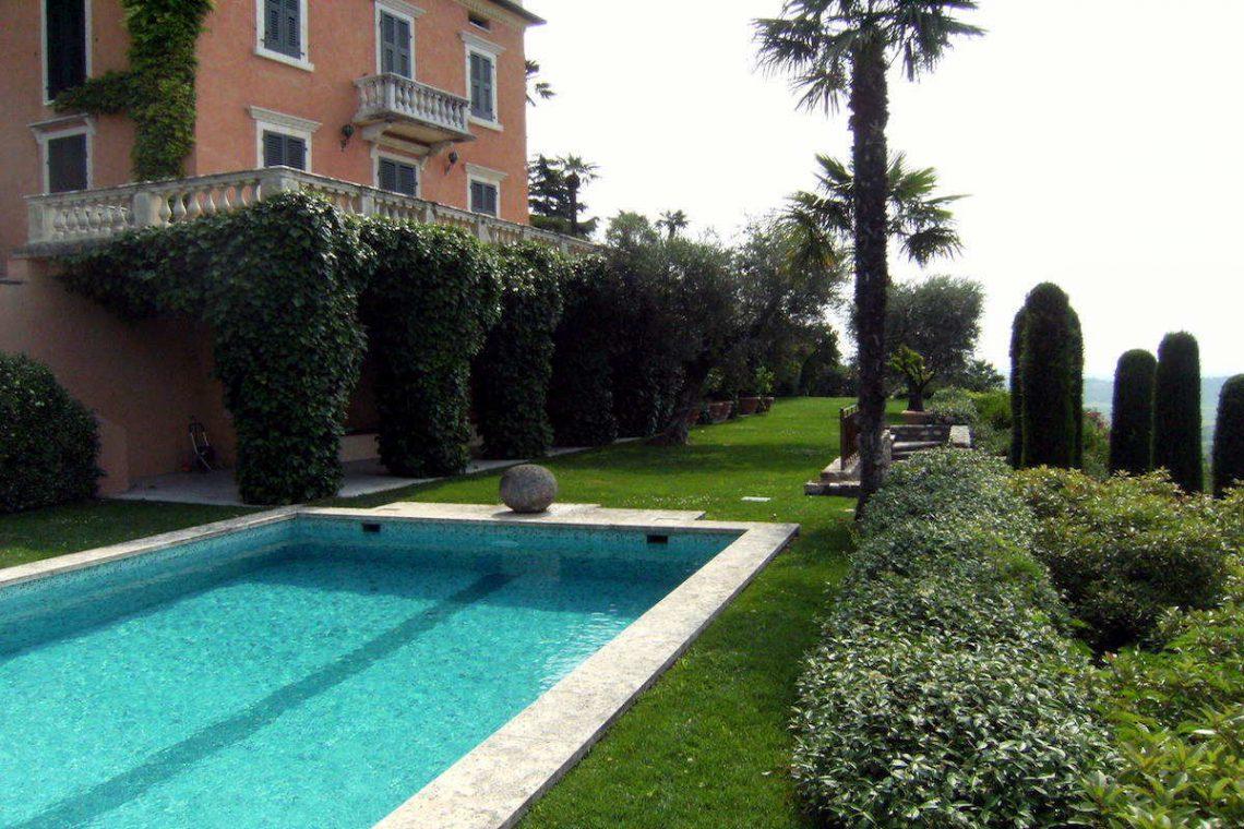 Historic villa Lake Garda sale with stunning lake view 12